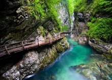 Vár a Bledi-tó, a Vintgar-kanyon, a Bohinji-tó