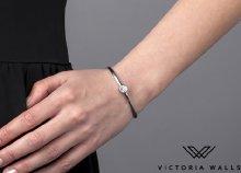 Victoria Walls merev karkötő és fülbevaló szettben