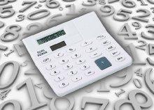 Mini asztali számológép két színben