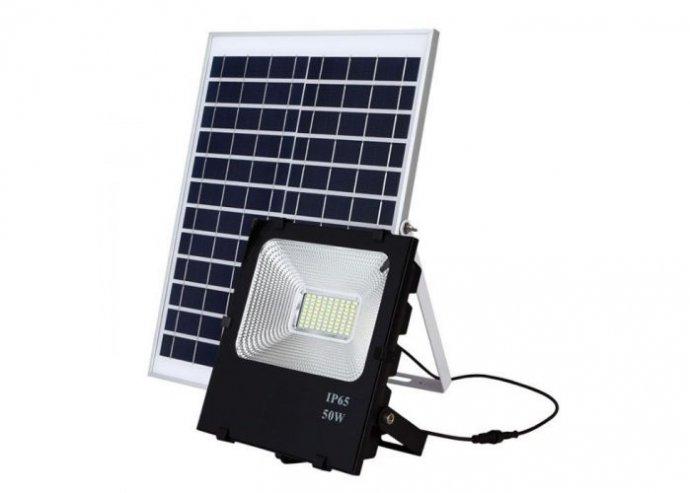 Napelem paneles LED reflektor