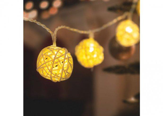 LED fényfüzér - rattan labdák - 1,35 m - melegfehér - 2 x AA