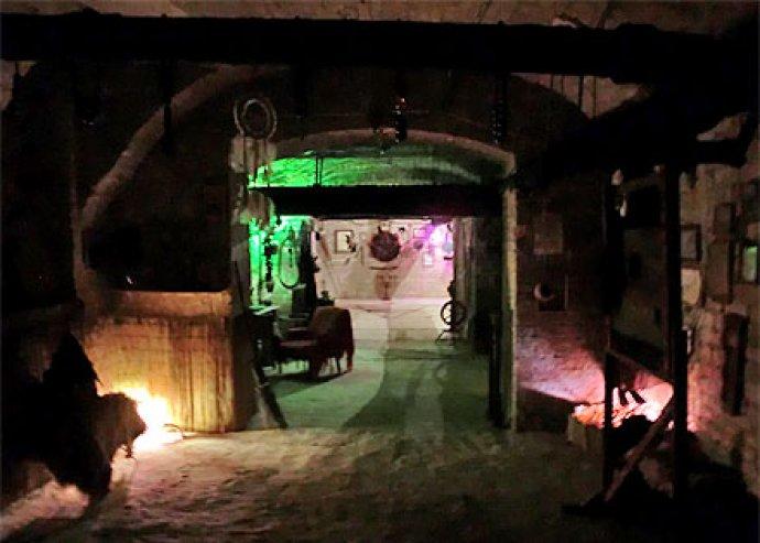 Boszorkányok, sámánok, voodoo gyakorlók, totemimádók, törzsi varázslók, tündérek, strigák, bruják és más valós vagy kitalált lények…...Halloweenkor mind életre kelnek! Belépő a Boszorkánymúzeumba + ajándék laserfinger 2000 Ft helyett 990 Ft
