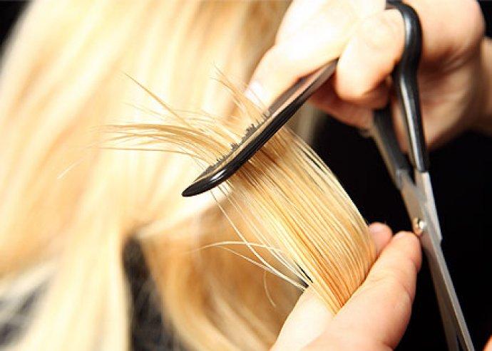 Szerezz duplán örömet magadnak!! Egy csodás új haj és mellé rengeteg bók!!! Női hajvágás mosással és szárítással (frizura készítés) most 5.100 Ft helyett 2.500 Ft