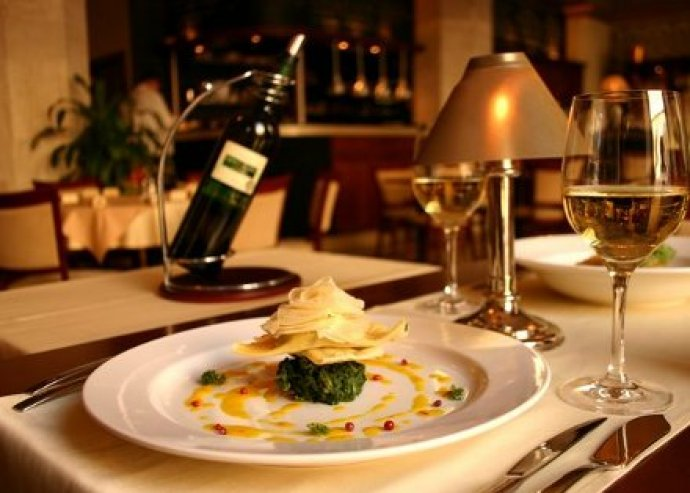Tradicionális magyaros ízek a belvárosi XO Bistro étteremben! A la carte ételfogyasztás 2 fő részére az XO Bistroban.