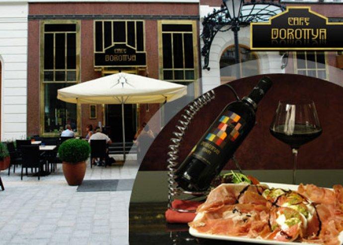 Ebéd vagy vacsora a Belváros szívében 2 fő részére a Café Dorottyában