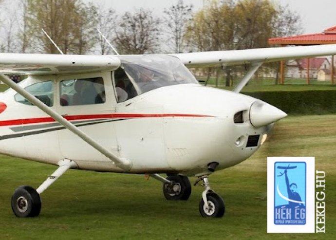 Fél órás sétarepülés Cessna típusú géppel 3 utas számára a Budai-hegyek felett