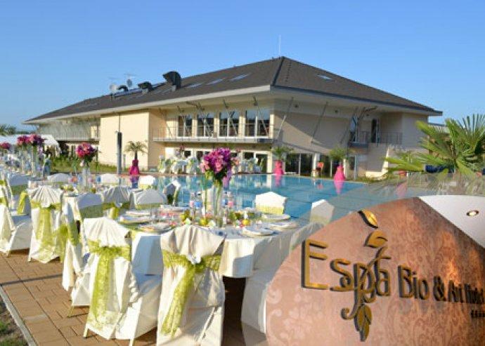 2 éj 2 fő részére kétágyas tetőtéri szobában teljes ellátással az Espa Bio & Art Hotelben