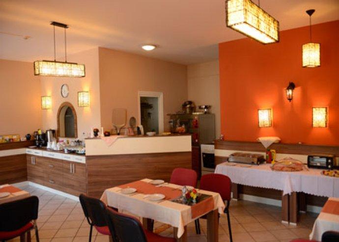 2 éj szállás 2 fő részére a Hotel Balaton-ban