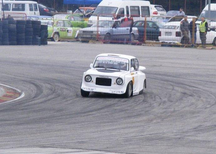 FIAT extrém élményautó vezetés és oktatás a kakucsi versenypályán