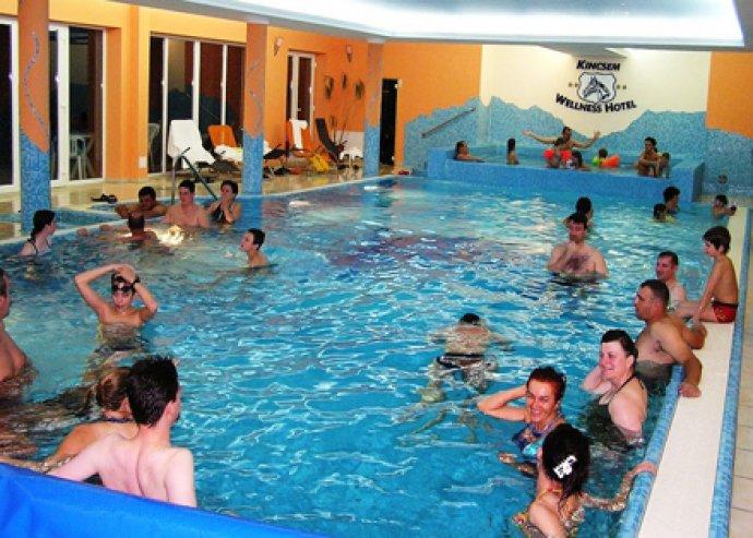 Téli wellness napok 2 fő részére a Kincsem Wellness Hotelben