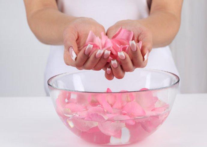 Prémium gél lakkozás kézre manikűrrel