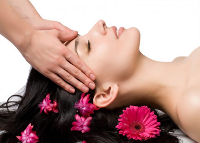 Hajmosás, nyugtató fejmasszázs, vágás és szárítás