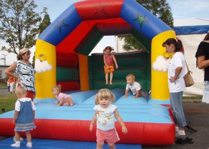 Felfújható légvárak vagy ügyességi játékok bérlése