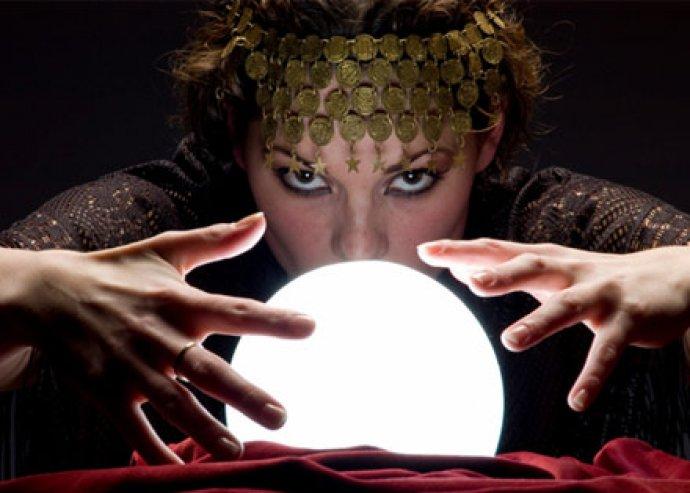 Ismerd meg a jövőd! Jóslás tarottal, prána terápiával vagy angyalkommunikációval!