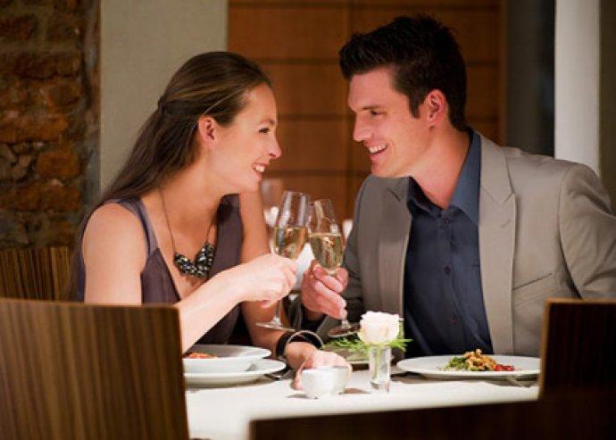 Kétszemélyes vagon tál, capuccino és 1 üveg fehér Villányi Cuvée a Vagon étteremben!