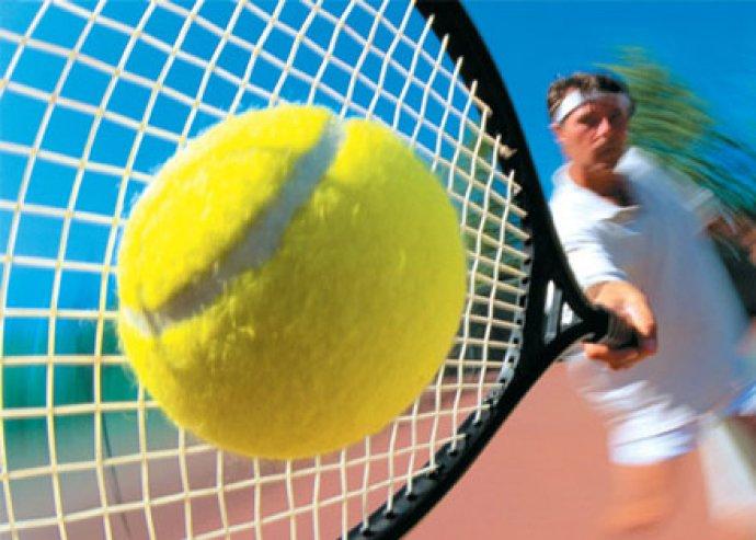 1 órás teniszpályabérlés oktatással, ingyenes teniszpartner keresési lehetőséggel
