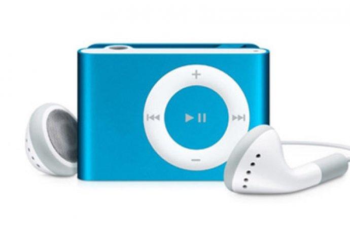 MP3 lejátszó különböző színekben, fülhallgatóval, 3-4 óra folyamatos lejátszási idővel