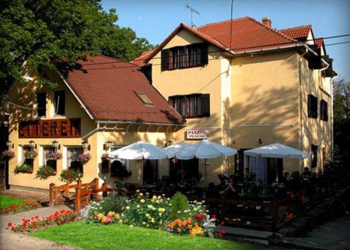 3 nap 2 főre Dobogókőn, termálfürdőzéssel, reggelivel, romantikus bőségvacsorával, pezsgővel
