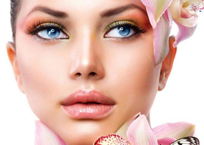 Sminktetoválás szemhéj alsó vagy felső vékony kontúr elkészítése, minőségi alapanyogkkal!