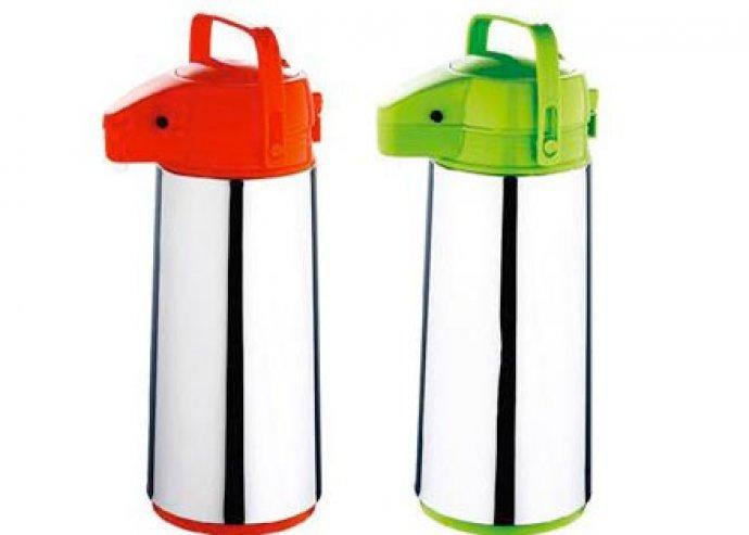 Kiváló minőségű, rozsdamentes felületű, 1,9 l-es pumpás termosz, almazöld vagy piros színben