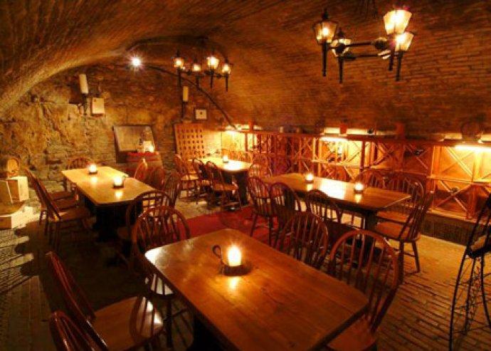 Romantikus vacsora 2 fő részére a várban, a Hadik Étteremben