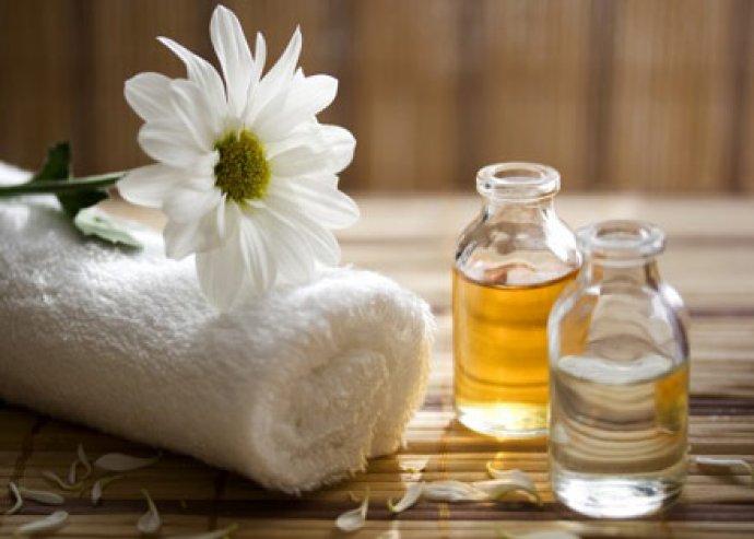 90 percnyi kényeztetés: 60 perces aromaterápiás- és 30 perces talpmasszázs