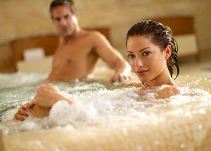 3 nap / 2 éj 2 fő részére a fonyódi Hotel Balaton***-ban, büfé reggelivel, wellness lehetőséggel