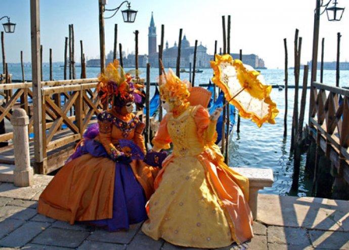 Velencei Karnevál 2 fő részére, idegenvezetéssel és non-stop utazással