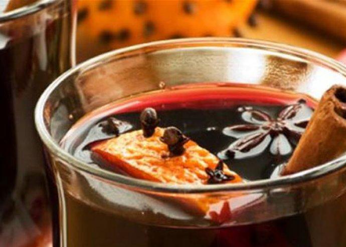 Igyál 2 deci forralt bort a Spot Bistróban és nézelődj boldogabban a Liszt Ferenc téri vásárban!