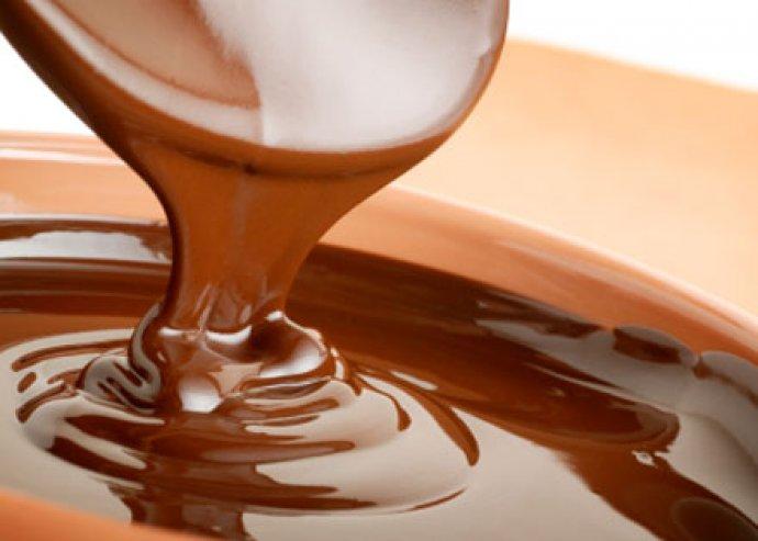 Csokoládé vagy mézmasszázs, oktatással, mert egészséges és finom