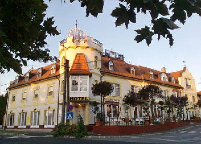 3 nap/2 éj 2 fő részére a Hotel Balatonnál, büfé reggelivel és 3 fogásos vacsorával, wellness lehetőséggel