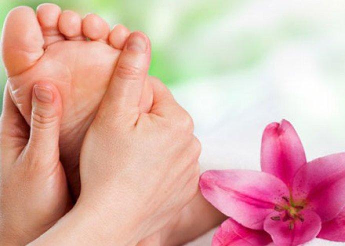 1 óra teljes relaxálás! 30-30 perc hátmasszázs és talpmasszázs vagy 60 perc talpreflexológia-kezelés