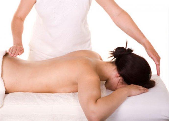 60 perces hátmasszázs és 60 perc reiki kezelés, pihenés és feltöltődés egyben