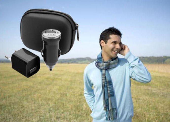 Hasznos és kiváló útitárs - USB töltő szett, elegáns cipzáras tokban, 4-féle színben