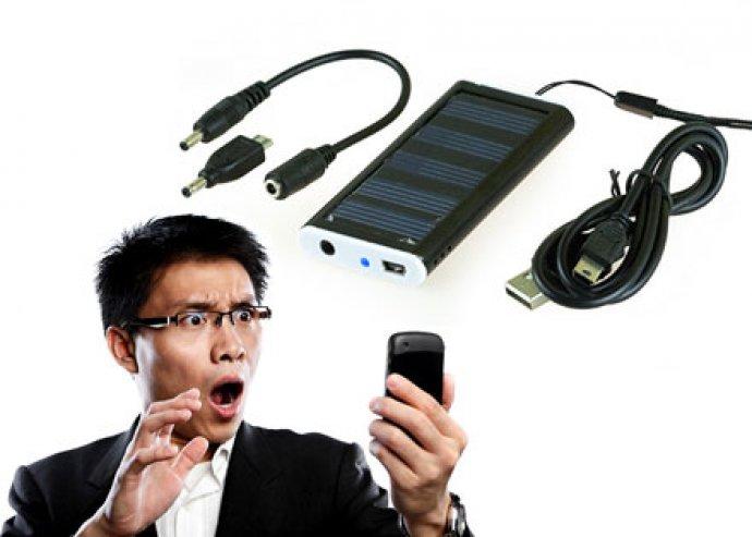 Solar Charger, napelemes mobiltöltő beépített akkumulátorral
