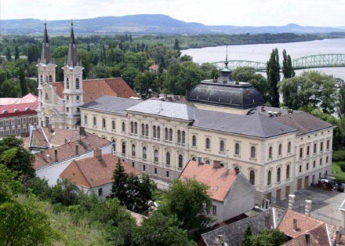 Töltődjetek fel és kapcsolódjatok ki gyermekeddel két napon keresztül a családias Duna kanyarban!