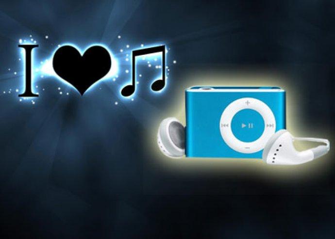 Vidd magaddal mindenhová kedvenc zenéidet! MP3 lejátszó különböző színekben fülhallgatóval és adatkábellel!
