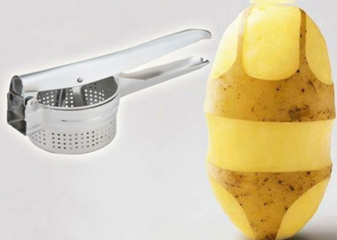 Könnyen tisztítható burgonyanyomó-, zöldség- és gyümölcstörő, kivehető betéttel