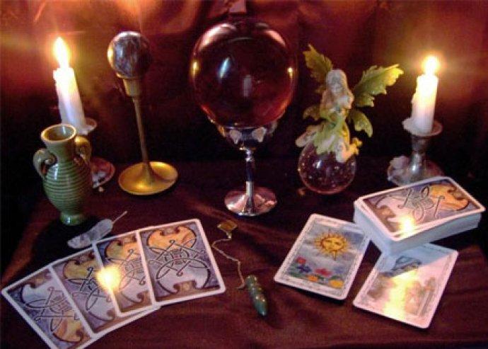 Láss egy jósnő szemével! Tarot kártyajóslás tanfolyam a spirituális élmények kedvelőinek!