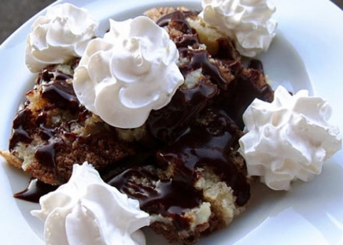 Csapj egy nagy lakomát az Aranypince Étteremben, 2 fős bőségtál ajándék desszerttel