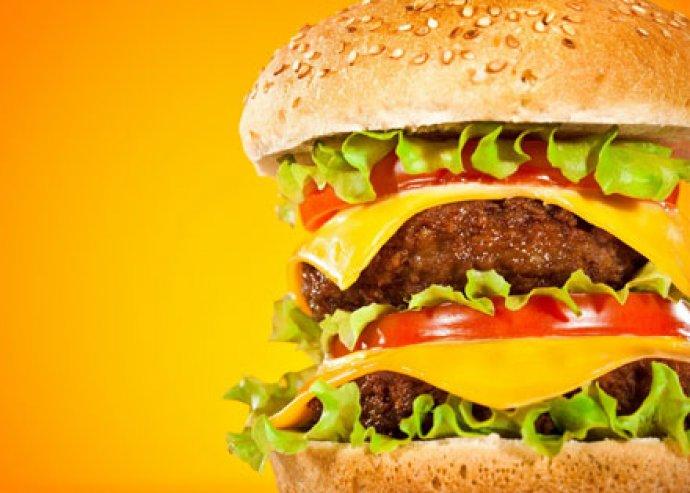 Kóstolj bele Amerikába - Bisztró burger káposzta salátával és hasábburgonyával 1 fő részére
