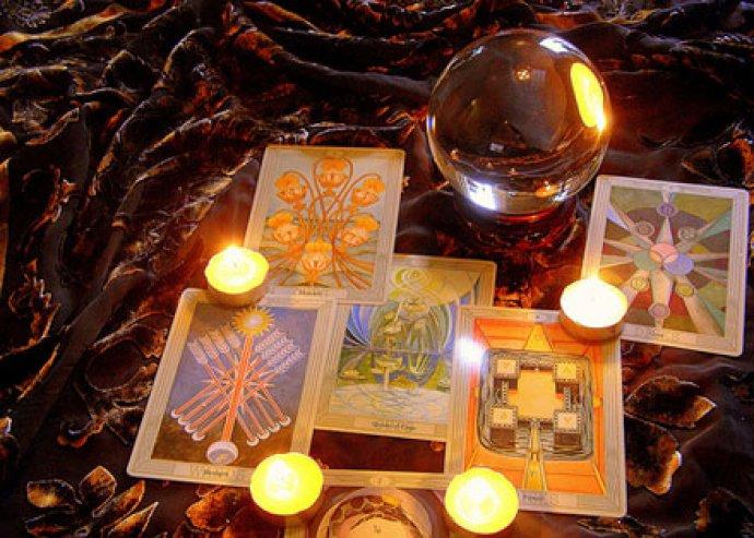 Láss bele a jövődbe kártyák segítségével - Tarot kártya jóslás tanfolyam workshoppal