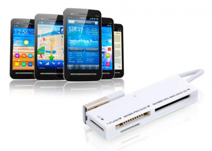 Sok típushoz használható, gyors adatátvitelt biztosító, USB-s memóriakártya-olvasó 2-féle színben