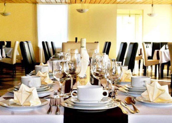 Esküvői ajánlat - szállás, vacsora, korlátlan italfogyasztás, éjféli menü az X-Games Hotelben