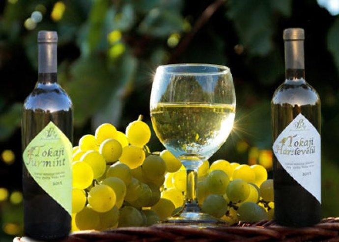 Magyarország legkedveltebb borai most csak Rád várnak! 3 palack száraz Tokaji Furmint/ Tokaji Hárslevelű
