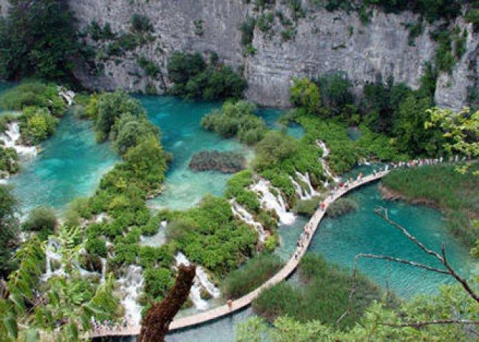 1 napos buszos kirándulás a festői szépségű, világörökségi Plitvicei Nemzeti Parkhoz