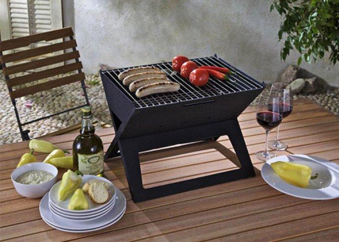 Mennyei finomságok könnyedén - praktikus összecsukható grillező kempingezéshez vagy erkélyen való sütögetéshez
