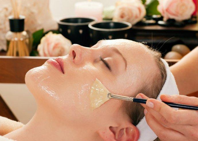 Káros anyagoktól mentes szépülés- Arc, nyak és dekoltázs szépítő kezelés, természetes kozmetikumokkal