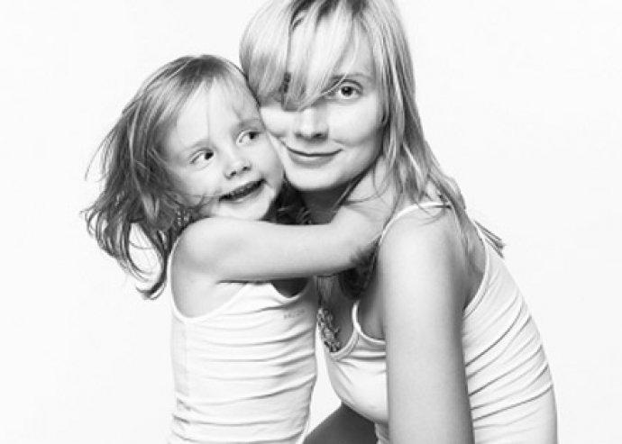 Örökítsétek meg a közös pillanatokat! 45 perces családi fotózás, 100 db digitális és 16 retusált képpel