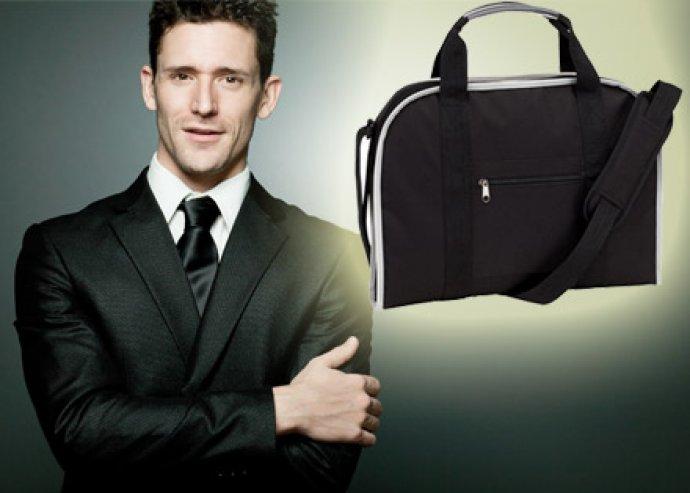 Praktikus, cipzáras laptoptáska, párnázott zsebekkel, állítható vállpánttal, erős fogantyúkkal